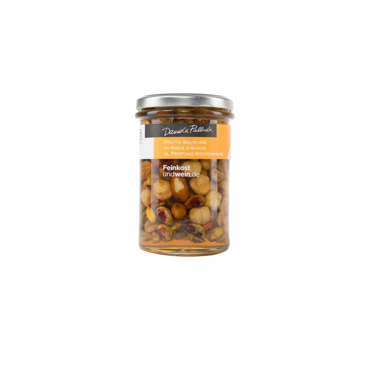 Nüsse, eingelegt in Akazienhonig